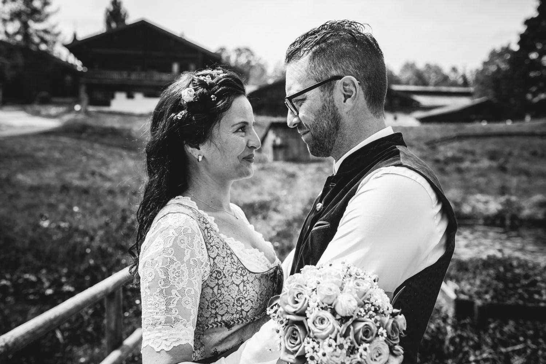 standesamtliche Hochzeit im Museumsdorf Tittling, Paarshooting,