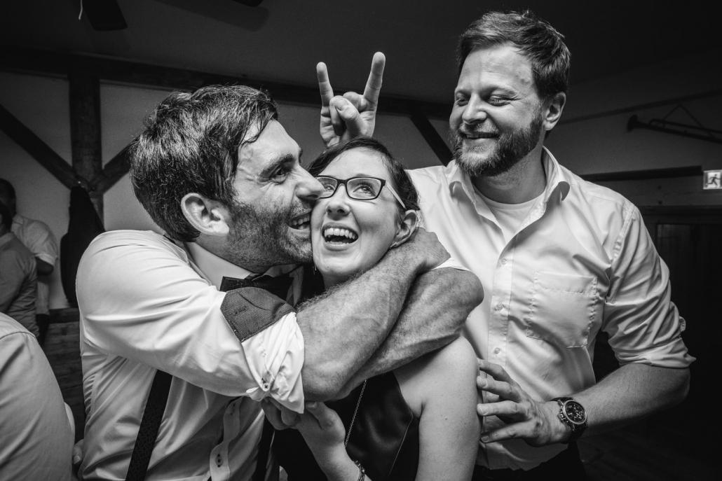 Hochzeitsfeier in Hengersberg, die Gäste haben Spaß