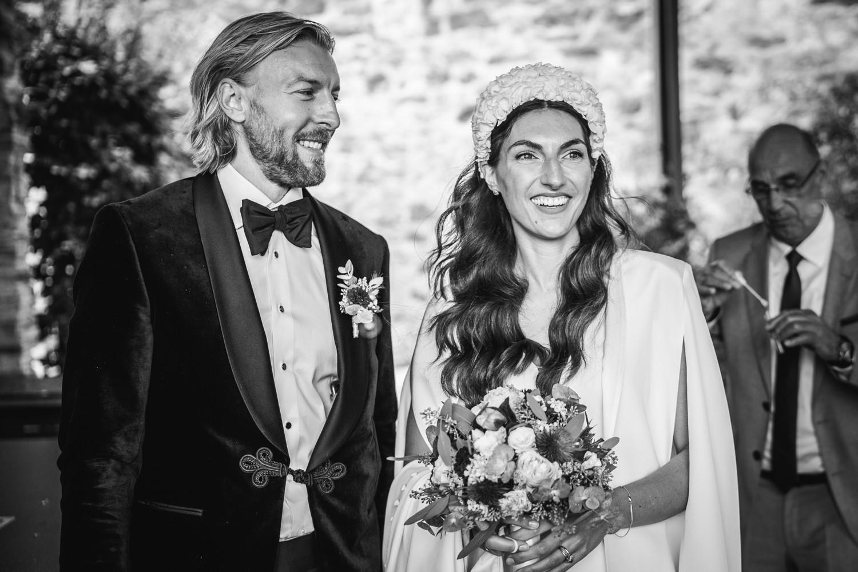 Hochzeit in Passau, Veste Oberhaus, Paar mit den Gästen