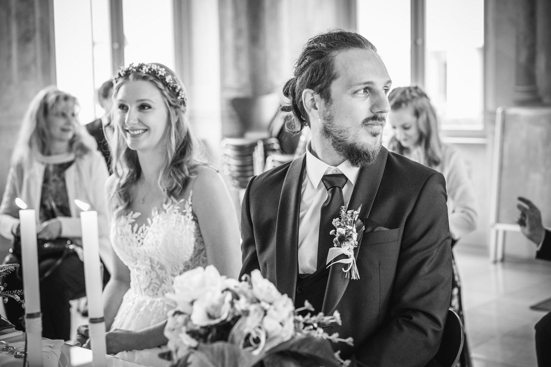 Hochzeit in Fürstenzell, Brautpaar bei der Trauung