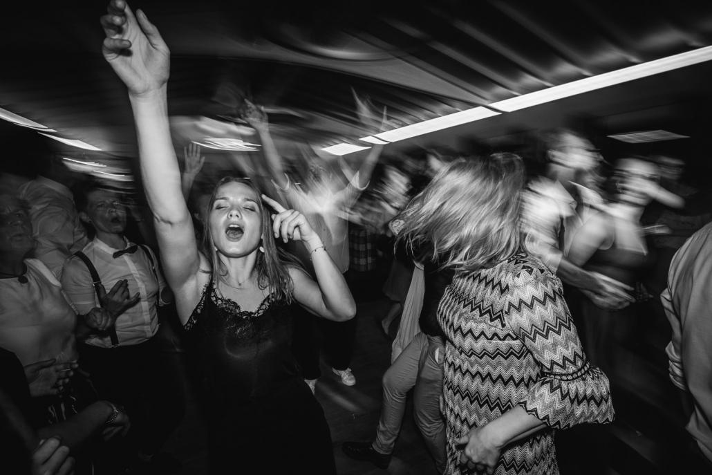 Hochzeitsfeier beim Straubinger Wirt in Beutelsbach, die Party ist im vollen Gange