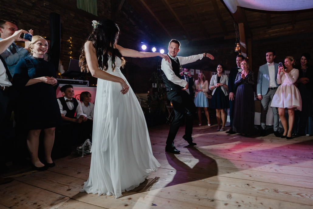 Hochzeit Burgruine Linden, Feier, Brauttanz mal anders