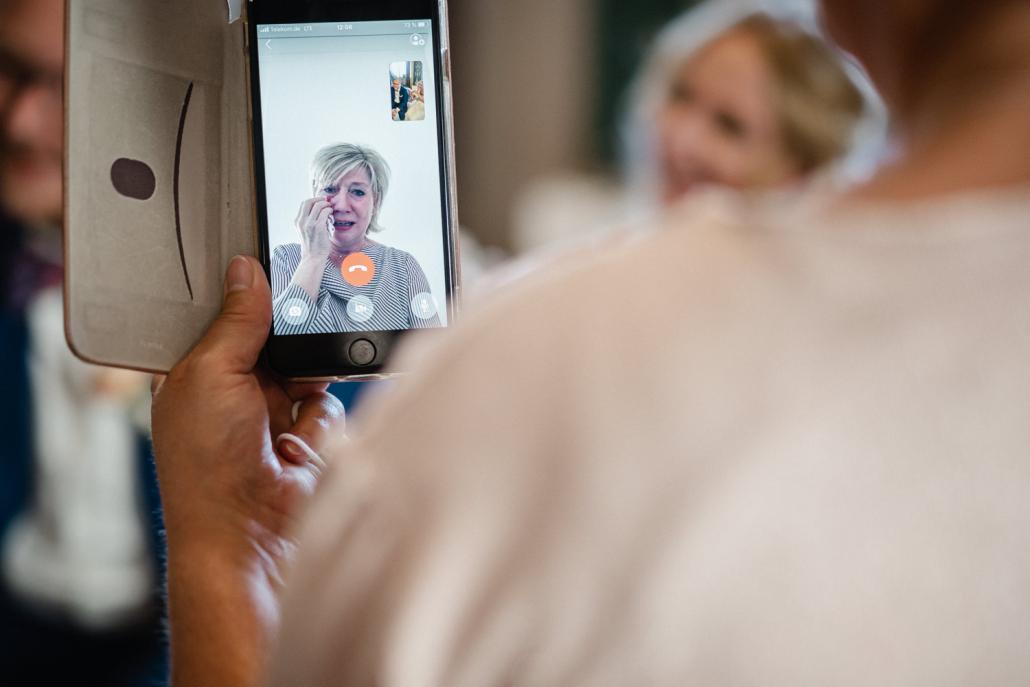 Hochzeit in Heidelberg, Schloß Heidelberg, Mama weint am Telefon