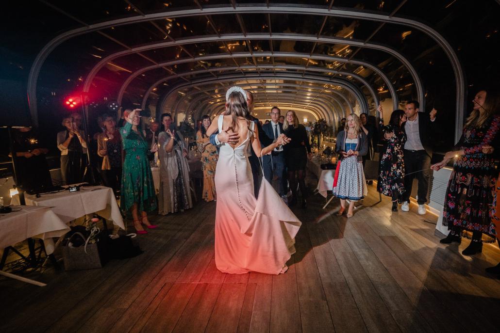 Hochzeit auf dem Cabrioshiff MS Sunliner, Passau, der Hochzeitstanz
