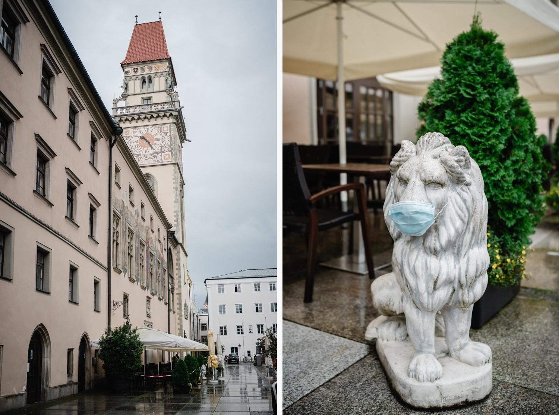 Hochzeit im Standesamt Passau, Aufnahme vom verregneten Rathausplatz in Passau
