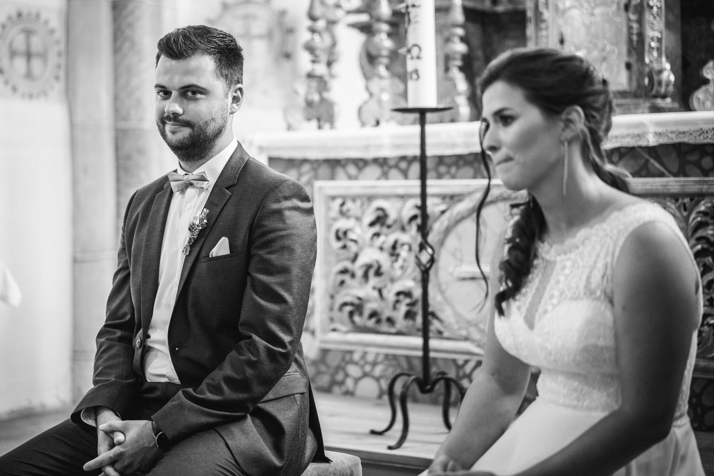 kirchliche Hochzeit in Grongörgen, Bad Birnbach, der bräutigam schaut in die Kamera