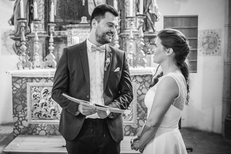 kirchliche Hochzeit in Grongörgen, Bad Birnbach, das braurtpaar spricht das Ehegelübde