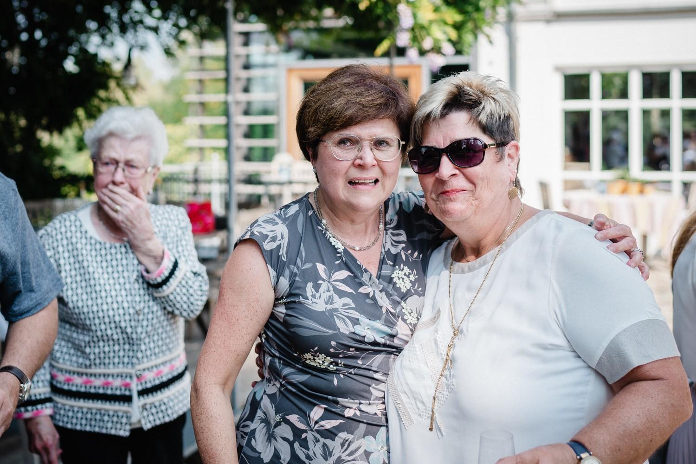 Hochzeit im Hofgut Hafnerleiten, Bad Birnbach, die Mütter können es nicht fassen