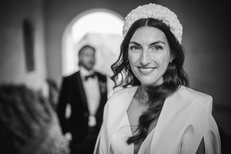 Hochzeit in Passau, Paarshooting, Braut schaut in die Kamera